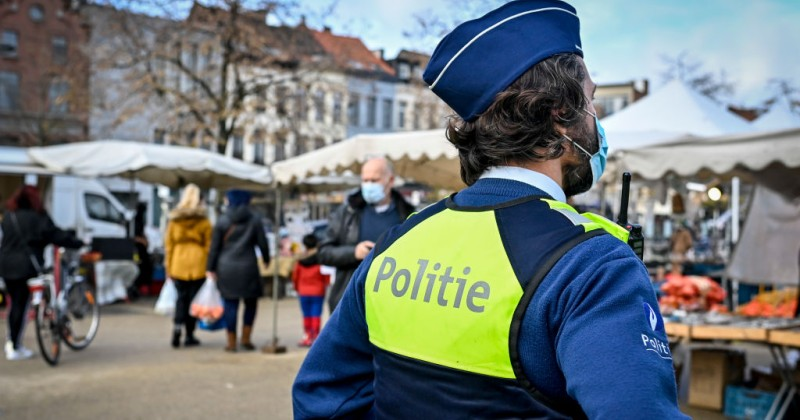 Belgians Told Police Will Knock on Doors at Christmas to Enforce COVID Rules
