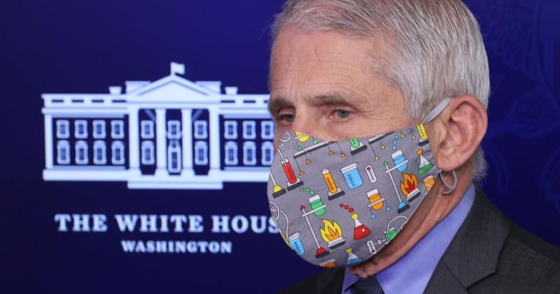 """In einer E-Mail vom Februar 2020 schrieb Fauci, Gesichtsmasken seien """"nicht effektiv, um sich gegen das Virus zu schützen""""."""