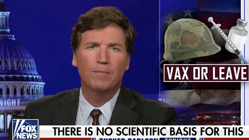 """Tucker Carlson enthüllt """"Satanismus""""-Powerpoint-Folie, die der Armee zur Förderung der Impfung vorgelegt wurde"""