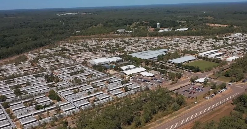 """Australien baut Quarantänelager für """"laufende Operationen"""" (Video)"""